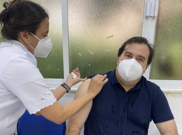 Congressista está na faixa etária que pode receber o imunizante   Foto: Reprodução   Twitter - Foto: Reprodução   Twitter