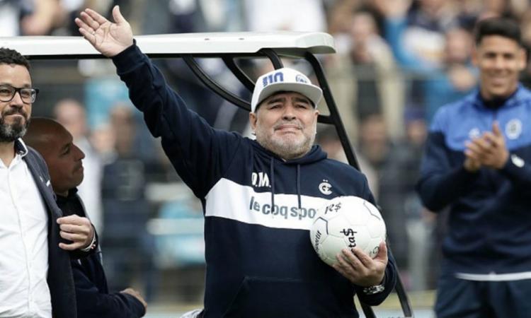Acusação considera que os médicos e os cuidadores não cumpriram seu dever para com Maradona   Foto: AFP - Foto: AFP