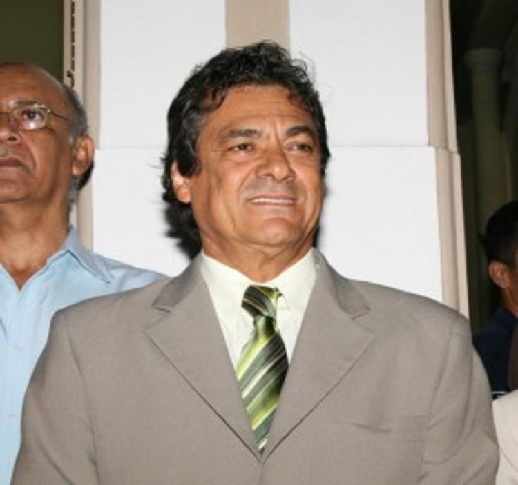 Newton Lima também foi condenado ao pagamento de uma multa de R$ 4 mil   Foto: Blog Resenha Geral - Foto: Blog Resenha Geral