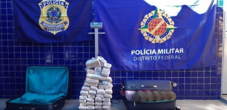 Droga estava em duas malas   Foto: Divulgação   PRF - Foto: Divulgação   PRF