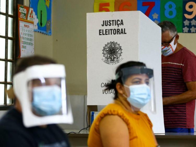 """De acordo com o grupo, o modelo de urna eletrônica adotado no Brasil é o melhor método por ser """"ágil, seguro e um exemplo de modernidade para o mundo"""" - Foto: Marcelo Camargo   Agência Brasil"""