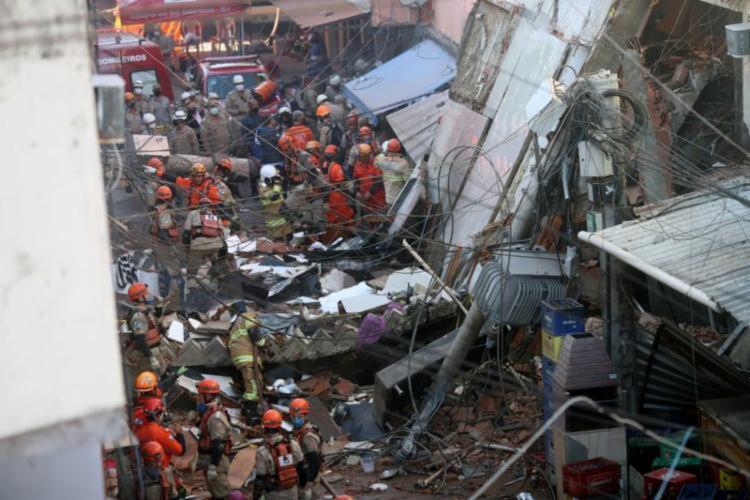 Imóvel fica ao lado do prédio que desabou na semana passada | Foto: Reprodução - Foto: Reprodução