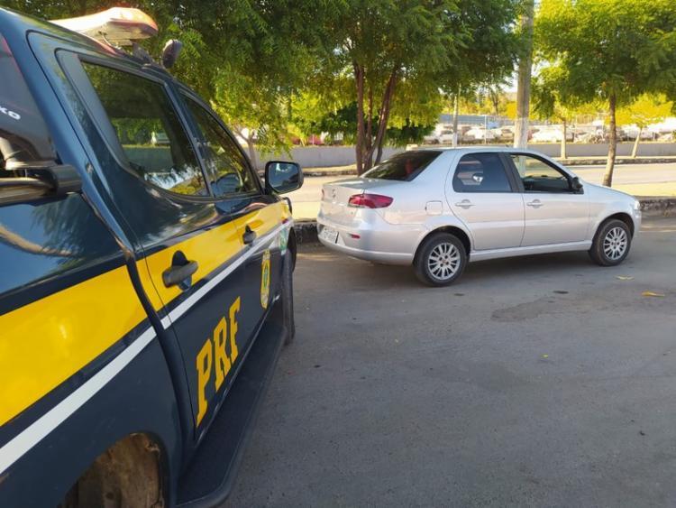 O automóvel havia sido roubado na semana passada, no dia 13 de junho, na cidade de Candeias | Foto: Divulgação | PRF - Foto: Divulgação | PRF