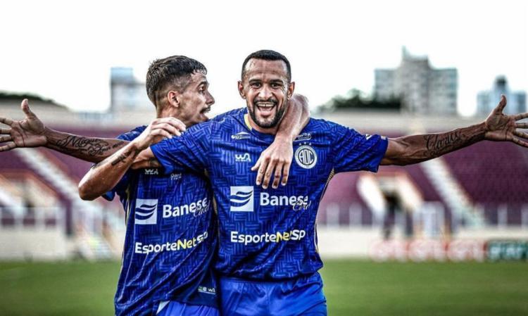 O volante Serginho marcou o único gol da partida   Foto: Lucas Almeida   ADC - Foto: Lucas Almeida   ADC