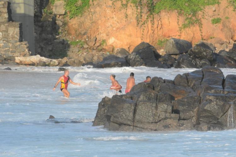 Militares perceberam quando a vítima estava sendo arrastada pela corrente | Foto: Divulgação | CBMBA - Foto: Divulgação | CBMBA