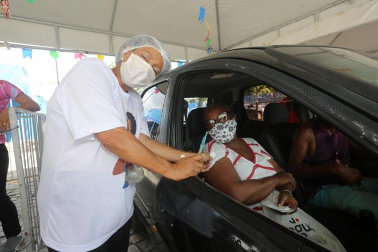 A Bahia vacinou 53,1% da população acima dos 18 anos com pelo menos uma dose   Foto: Foto: Olga Leiria   Ag. A Tarde - Foto: Foto: Olga Leiria   Ag. A Tarde