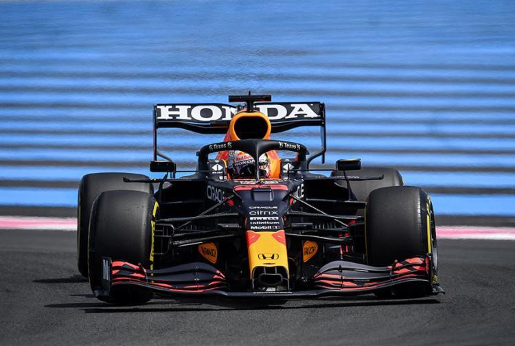 O piloto holandês, da equipe Red Bull, é o líder do campeonato | Foto: Christophe Simon | AFP - Foto: Christophe Simon | AFP