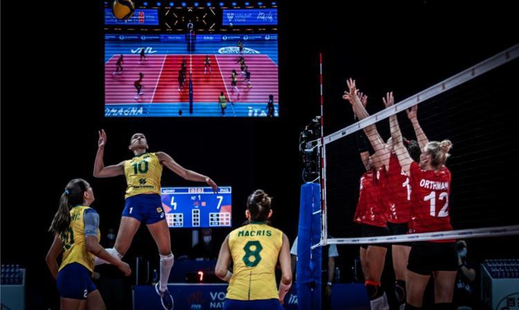 Brasil fez 3 a 1 nas europeias e se manteve na vice-liderança   Foto: Divulgação   FIVB - Foto: Divulgação   FIVB