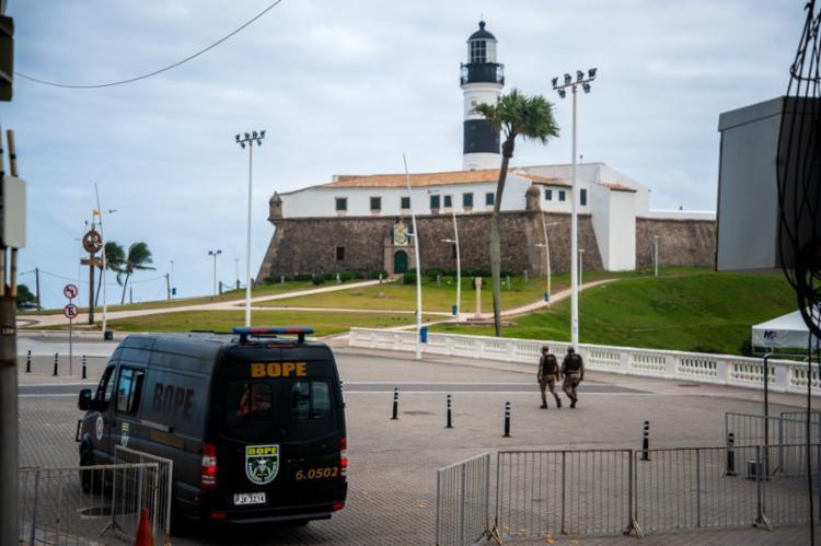 Soldado foi alvejado em 28 de março deste ano em operação policial após ter tido um surto e atirar contra os colegas no Farol da Barra. - Foto: Felipe Iruatã / AG. A TARDE