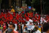 Protesto contra Bolsonaro em Salvador reúne trabalhadores, sindicatos, partidos e estudantes | Foto: Rafael Martins | Agência A Tarde