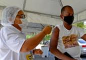 Salvador inicia imunização de pessoas com 32 anos | Shirley Stolze | Ag A Tarde