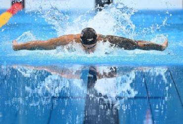 Natação: americano Caeleb Dressel é ouro nos 100m borboleta com recorde mundial |