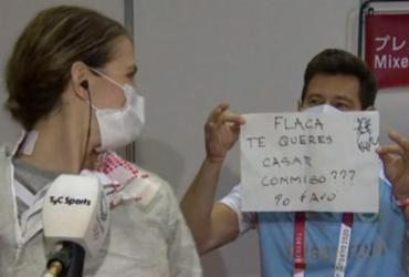 Esgrimista argentina aceita pedido de casamento após prova | Reprodução | TyC Sports