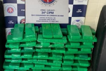 Grávida de gêmeos e marido são presos com mais de 120 tabletes de maconha