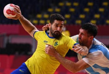 Brasil bate a Argentina por 25 a 23 e segue vivo | Martin Bernetti | AFP
