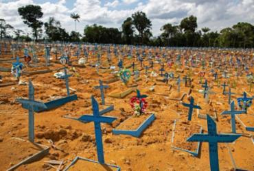 Mundo ultrapassa 4 milhões de mortos por Covid-19; casos de infeção superam 189 mi   Michael Dantas   AFP