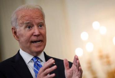 Biden intensifica ações contra redes sociais por causa de notícias falsas sobre vacina | Drew Angere | AFP