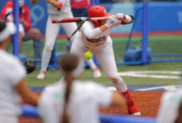 Jogadoras de softbol do México são acusadas de jogar uniformes olímpicos no lixo |