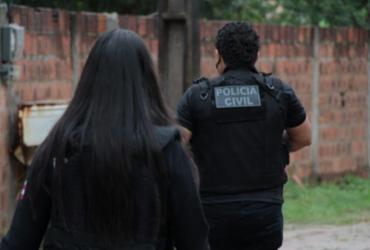 Suspeito de agredir ex-companheira e descumprir medidas protetivas é preso em Feira