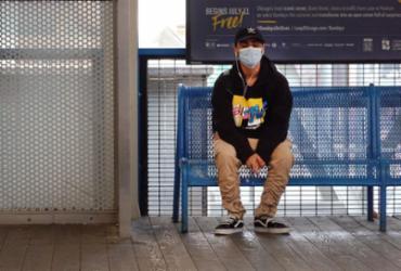 EUA recomendará que vacinados usem máscara em espaços fechados |
