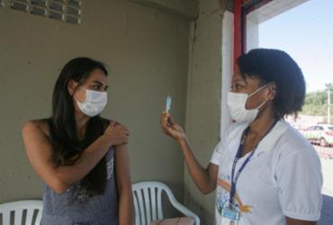 Salvador retoma vacinação de 1ª dose para população com 34 anos nesta quarta | Olga Leiria | Ag. A TARDE