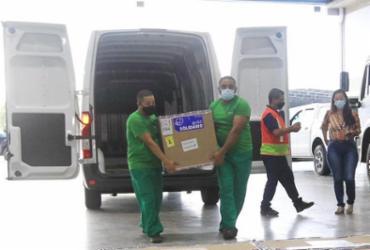 Mais de 494 mil doses de vacinas chegam à Bahia neste sábado | Camila Souza | GOV BA