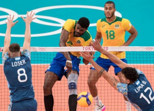 Brasil constrói virada espetacular e vence Argentina no vôlei masculino | Julio Cesar Guimarães / COB