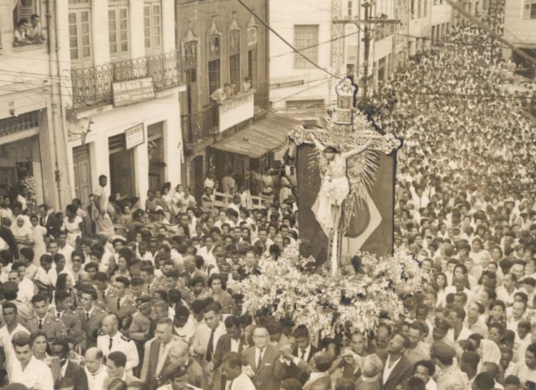 Imagem do Senhor do Bonfim causa comoção   Foto: Arquivo A TARDE