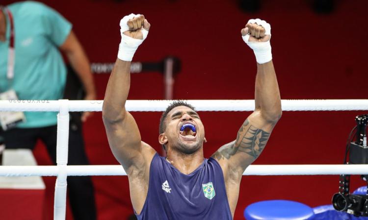 O pugilista brasileiro assegurou nesta sexta-feira, 30, uma medalha de bronze, após avançar às semifinais da categoria até 91 kg | Foto: Gaspar Nóbrega | COB - Foto: Gaspar Nóbrega | COB