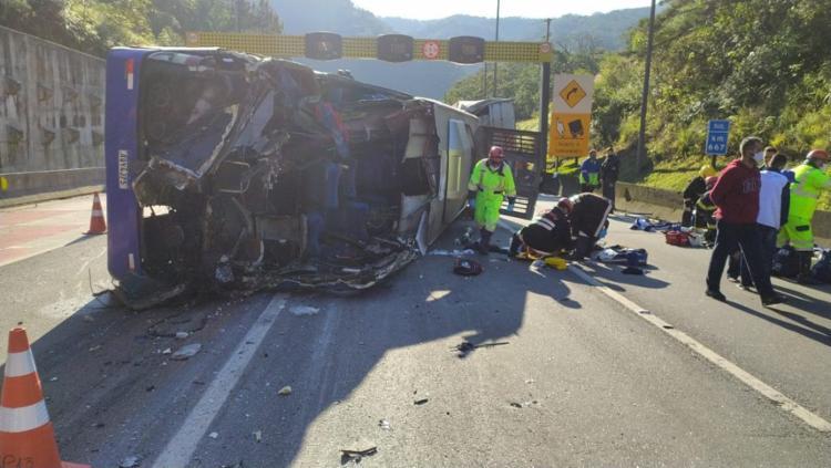Além dos mortos, pelo menos outras 18 pessoas ficaram feridas | Divulgação | PRF - Foto: Divulgação | PRF