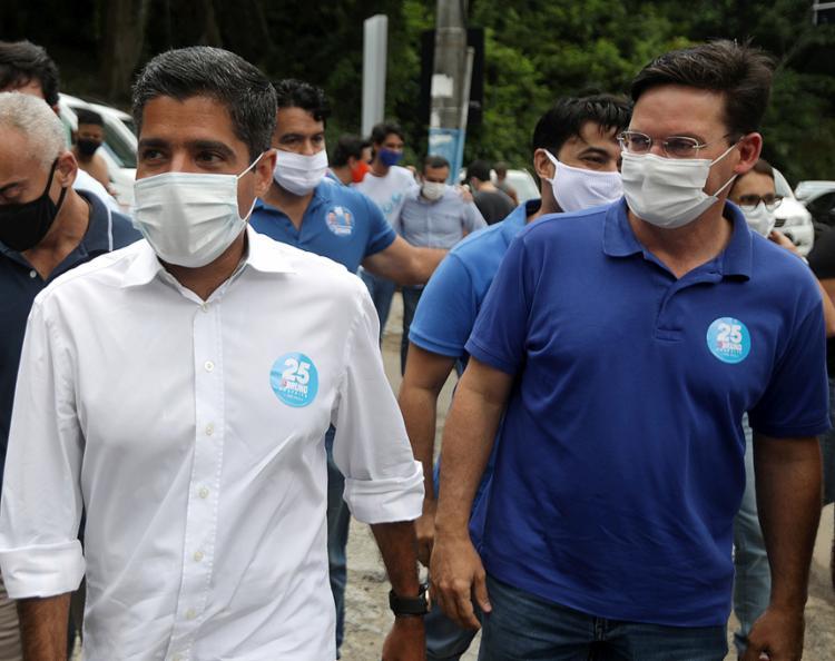 ACM Neto, ex-prefeito de Salvador (à esq.), e João Roma, ministro da Cidadania | Foto: - Foto: Felipe Iruatã | Ag A TARDE | 15.11.2020