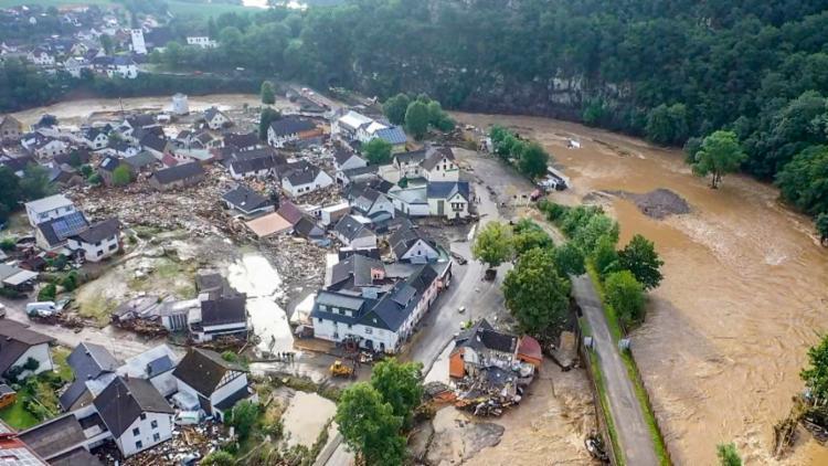 Quatro das vítimas fatais estavam em Schuld, onde várias casas foram arrastadas pelas águas | Foto: Christoph Reichwein | dpa | AFP - Foto: Christoph Reichwein | dpa | AFP