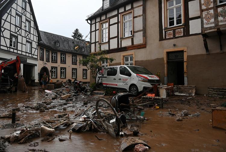Temporal que assolou vários países europeus provocou enchentes, quedas de árvores e desabamentos de edificações | Foto: Christof Stache | AFP - Foto: Christof Stache | AFP