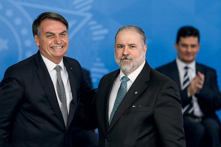 Bolsonaro anunciou que propôs ao Senado a recondução de Augusto Aras para novo mandato   Foto: Divulgação - Foto: Divulgação