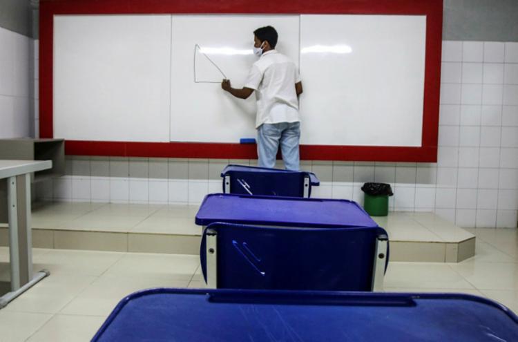 Decisão desagrada uma parcela dos professores, pais e alunos | Felipe Iruatã | Ag. A TARDE - Foto: Felipe Iruatã | Ag. A TARDE