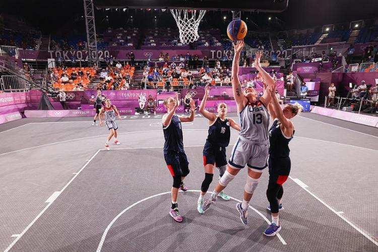 Os Estados Unidos foram coroados na categoria feminina, enquanto a Letônia venceu na masculina   Foto: Stephen Gosling   Getty Images via AFP - Foto: Stephen Gosling   Getty Images via AFP