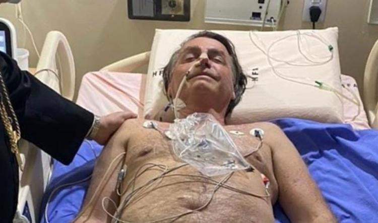 Com soluço há mais de 10 dias, Bolsonaro sentiu dores, foi internado e logo transferido para São Paulo   Foto: Reprodução   Instagram