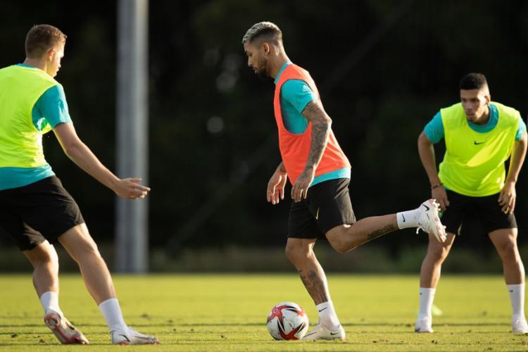 Equipe deve ter retorno do volante Douglas Luiz, que cumpriu suspensão | Foto: Lucas Figueiredo | CBF - Foto: Lucas Figueiredo | CBF