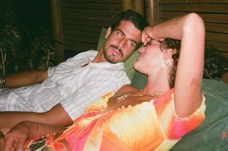 Eles começaram um romance em junho do ano passado, mas só assumiram publicamente em abril deste ano   Foto: Reprodução   Redes Sociais - Foto: Reprodução   Redes Sociais