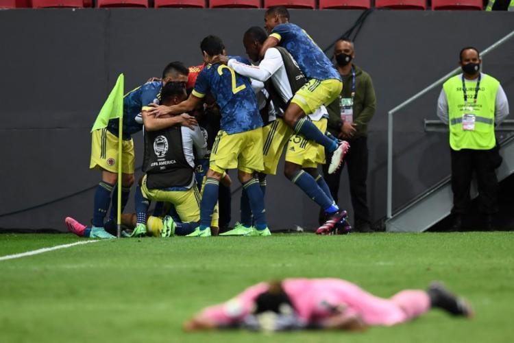 A Colômbia conseguiu melhorar o desempenho da última edição do torneio, quando caiu nas quartas   Foto: Evaristo Sá   AFP - Foto: Evaristo Sá   AFP
