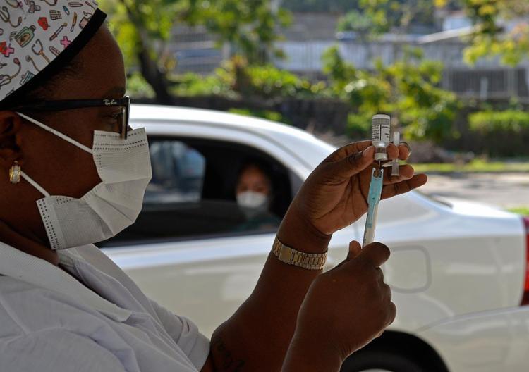 Neste sábado, ficará suspensa a aplicação da 1ª dose   Foto: Shirley Stolze   Ag. A TARDE - Foto: Shirley Stolze   Ag. A TARDE