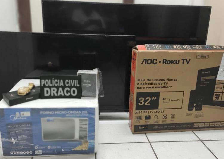 Foram apreendidos televisores, micro-ondas e smartphones | Foto: Divulgação - Foto: Divulgação | Polícia Civil