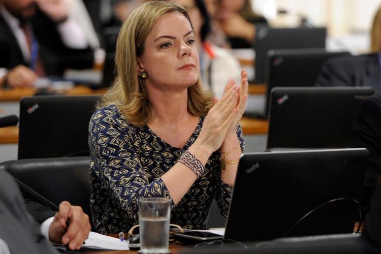 Notícia-crime contra o ministro da Defesa foi subscrita pela deputada Gleisi Hoffmann (PT/RS) - Foto: Divulgação
