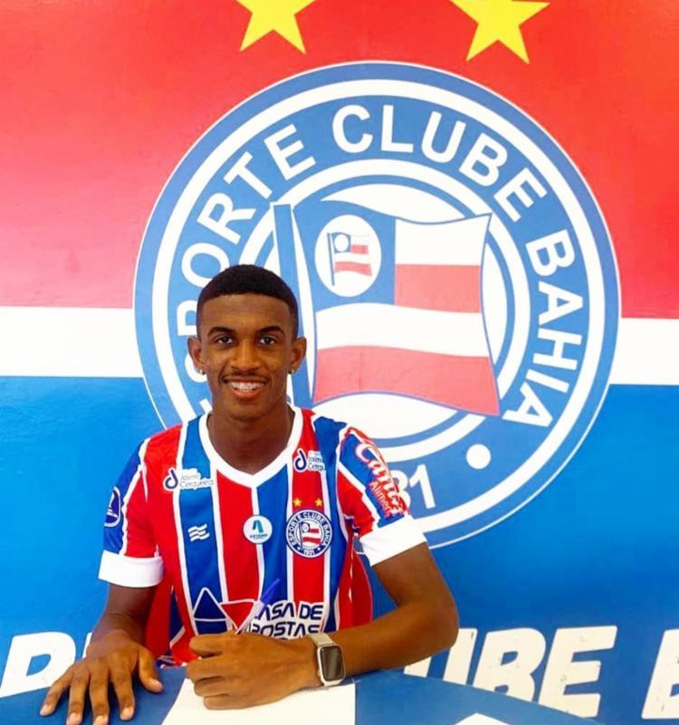 Douglas estreou pelo time profissional com 16 anos, em 2019   Foto: Divulgação   ECBahia - Foto: Divulgação   ECBahia