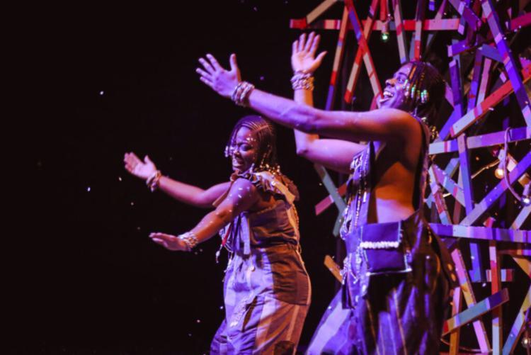 Sulivã Bispo interpreta ao lado de Natalyne Santos as divindades infantis | Foto: Divulgação - Foto: Divulgação