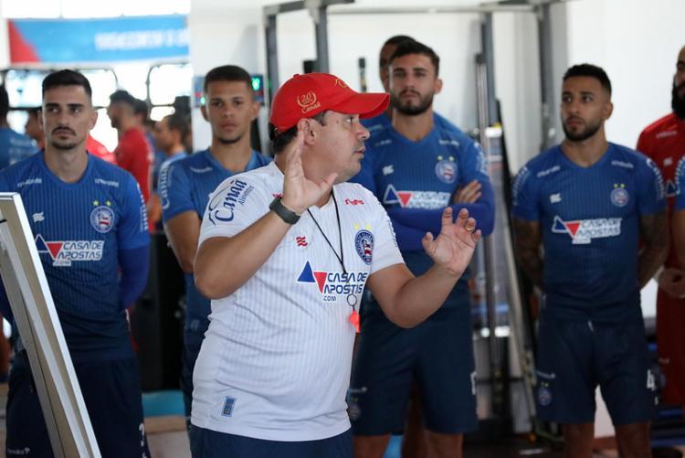 Treinador é obrigado a fazer modificações na equipe   Fotos: Felipe Oliveira   EC Bahia - Foto: Felipe Oliveira   EC Bahia