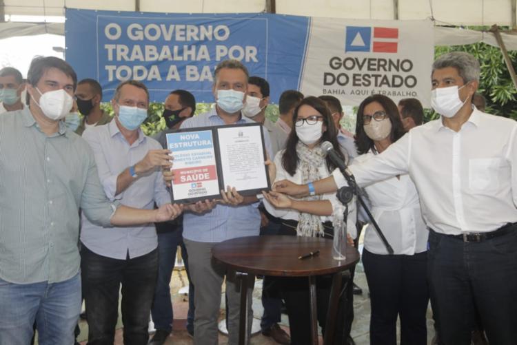 Rui Costa esteve presente na cidade para realizar a entrega | Foto: Alberto Coutinho | GOVBA