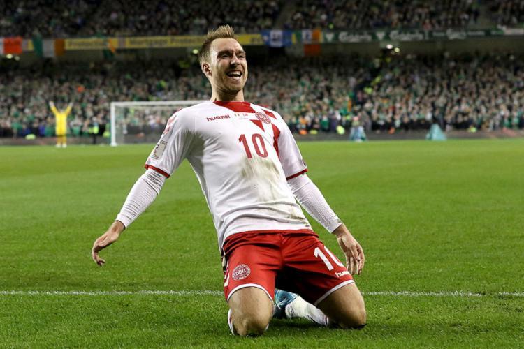 O meia dinamarquês, de 29 anos, sofreu uma parada cardíaca durante a partida de estreia   Foto: Paul Faith   AFP - Foto: Paul Faith   AFP