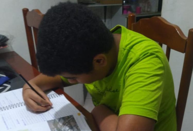 João Victor seguirá estudando em casa | Foto: Arquivo pessoal