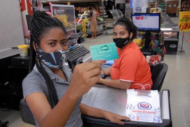 Alimentos podem ser comprados em mais de 20 mil estabelecimentos credenciados na Bahia | Foto: Claudionor Jr | Secretaria da Educação - Foto: Claudionor Jr | Secretaria da Educação